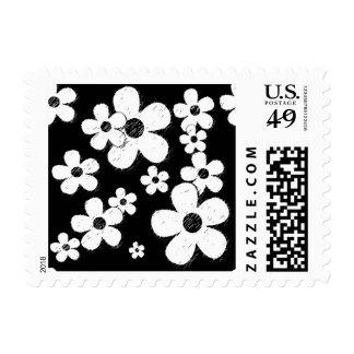 15B&W BLACK WHITE GRUNGE PINK FLOWER PATTERN FUN POSTAGE