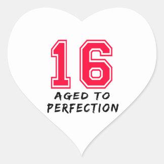 16 envejeció al diseño del cumpleaños de la perfec calcomanía de corazón