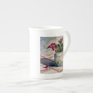 1790 violetas africanas en pote azul taza de porcelana