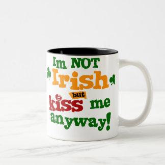 $17,95 dos no irlandeses entonaron la taza de café