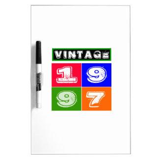 17 diseños del cumpleaños tableros blancos