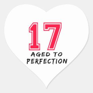 17 envejeció al diseño del cumpleaños de la calcomania corazon