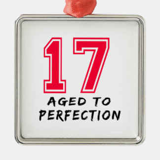 17 envejeció al diseño del cumpleaños de la perfec ornamentos de navidad