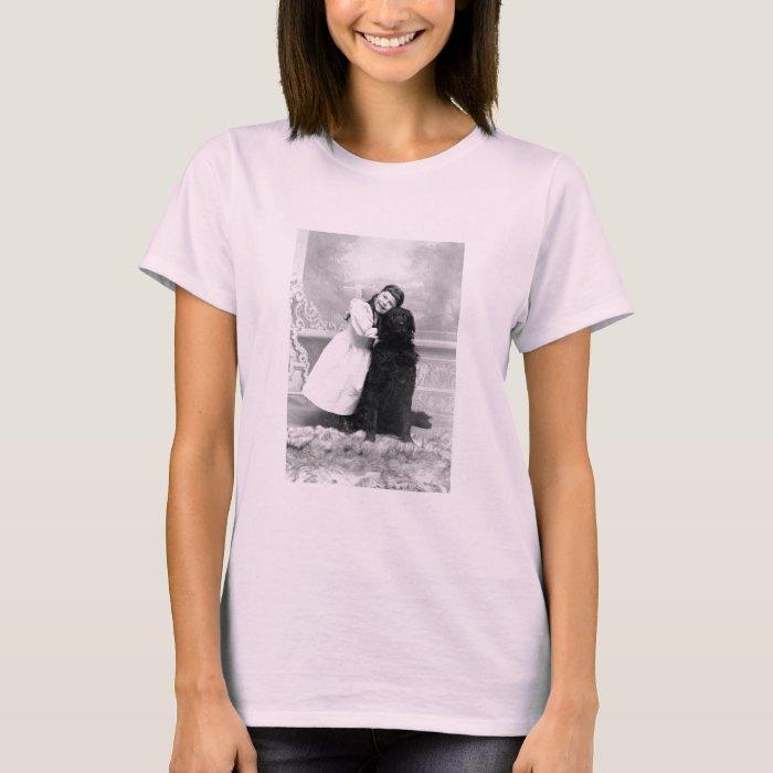 1890 Smiling girl and her Retriever Dog T-Shirt