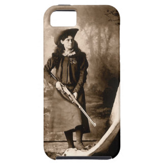 1898 Photo of Miss Annie Oakley Holding a Rifle iPhone SE/5/5s Case