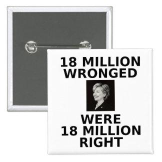 18 millones perjuicios, botón cuadrado pin