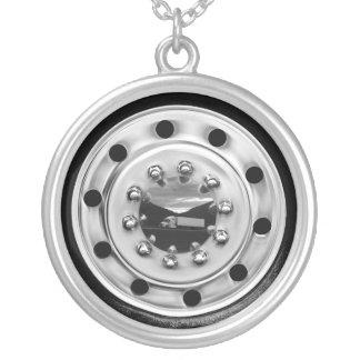 18 Wheelin' Silver Plated Necklace