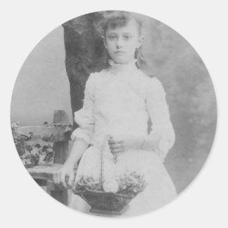 1900's Girl holding basket Classic Round Sticker