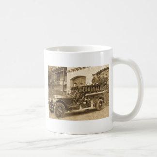 1900s tempranos del vintage del gancho y de la esc taza básica blanca