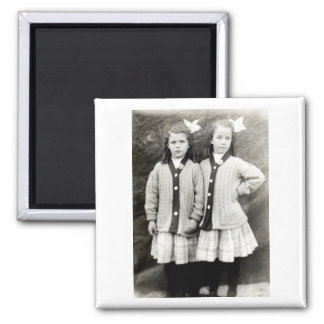 1910 Best Friends 2 Inch Square Magnet