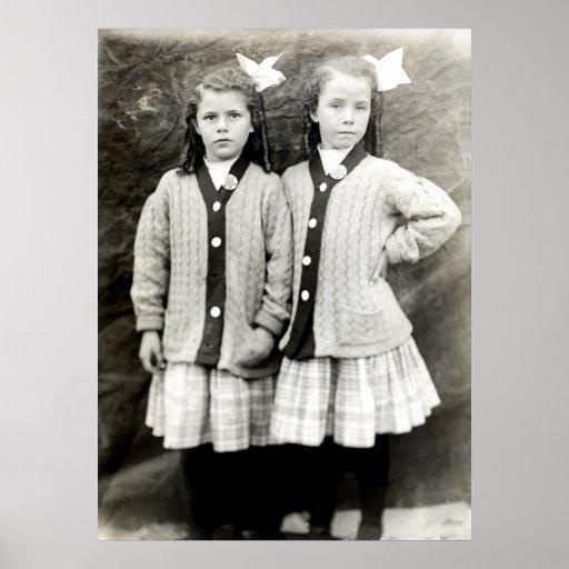 1910 novias que llevan los equipos a juego póster