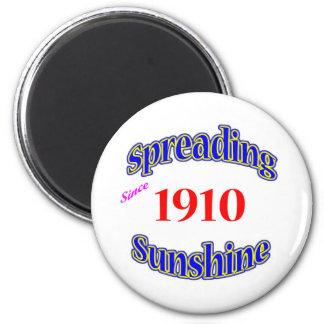1910 Spreading Sunshine 2 Inch Round Magnet