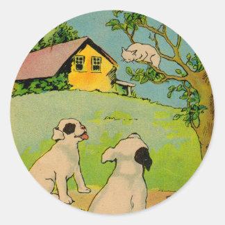 1914 dos perros y un pequeño gato blanco pegatina redonda