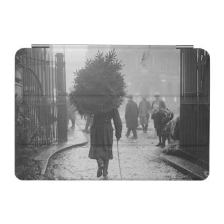1915: A soldier carrying a christmas tree iPad Mini Cover