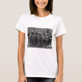 1918 Women Laborers Union Pacific Railroad T-Shirt