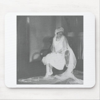 1920's Bride waiting at church Mouse Pads
