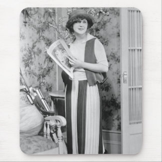 1920s Golf Fashion Mouse Pad