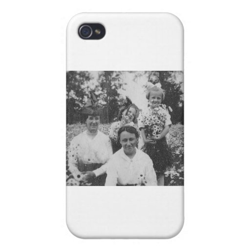 1920's Mothers and Daughers in field of flowers iPhone 4/4S Cover