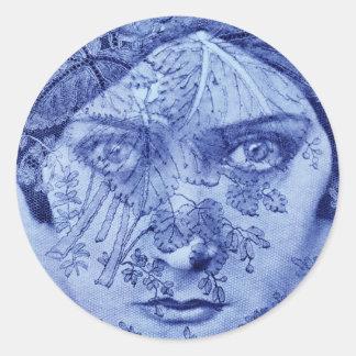 1920s movie star Gloria Swanson in blue Classic Round Sticker