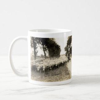 1921 French Shepherd Mug