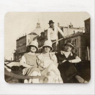 1921 novias en Venecia Mouse Pad