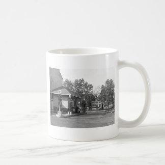 1925 Gas Station Coffee Mug