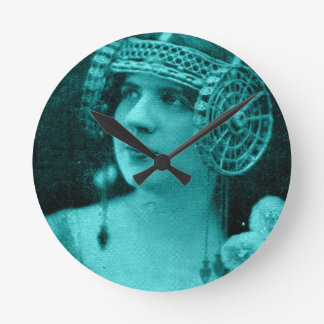 1929 French artiste Mme. Tessandra Round Clock