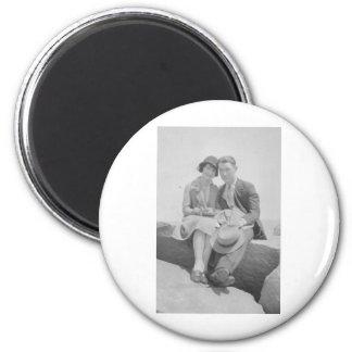 1930's Couple Magnet