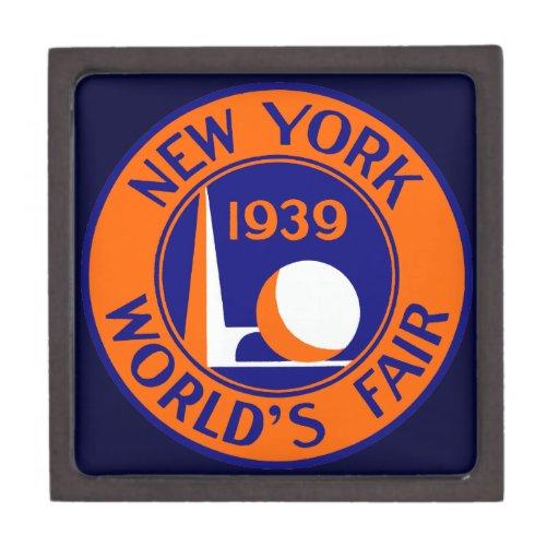 1939 New York World's Fair Premium Trinket Box