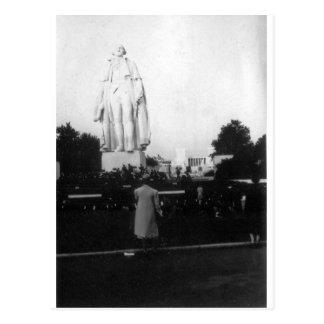 1939 World's Fair Statue Postcard