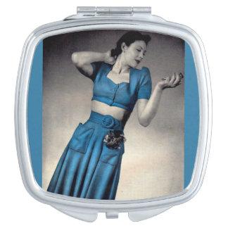 1940s fashion photo midriff style makeup mirror