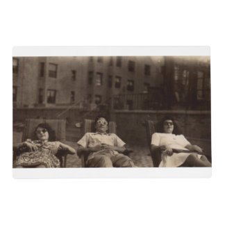 1940s three people relaxing on the roof placemat