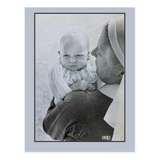 1950 Anne, Princess Royal as a baby Postcard