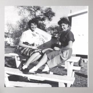 1950 S GIRLS FASHION POSTER PRINT