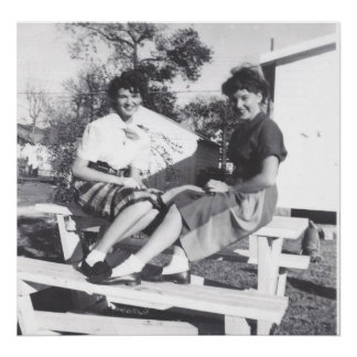 1950'S GIRLS FASHION POSTER PRINT