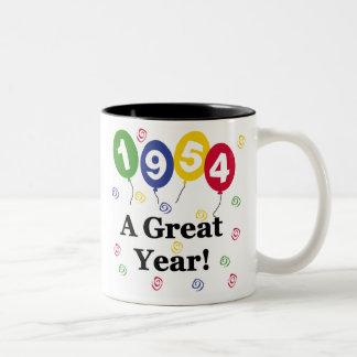 1954 un cumpleaños del gran año taza de café de dos colores