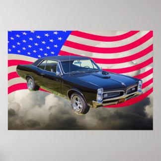 1967 Pontiac GTO y bandera americana Póster