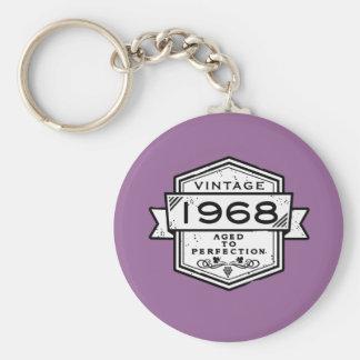 1968 envejecido a la perfección llavero redondo tipo pin