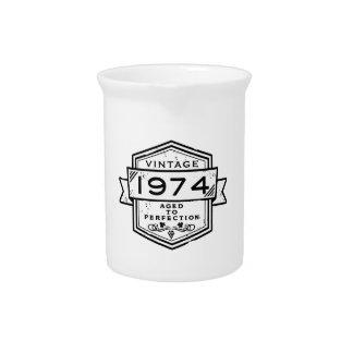 1974 envejecido a la perfección jarras para bebida