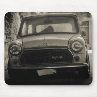 1975 Old Mini Cooper 1300 Mouse pad