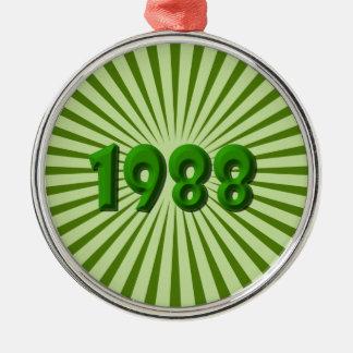 1988 ROUND METAL CHRISTMAS ORNAMENT