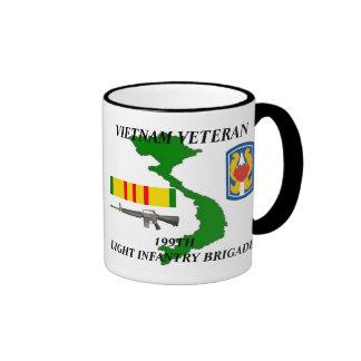 199o Veterano de Vietnam de la división de Taza De Dos Colores