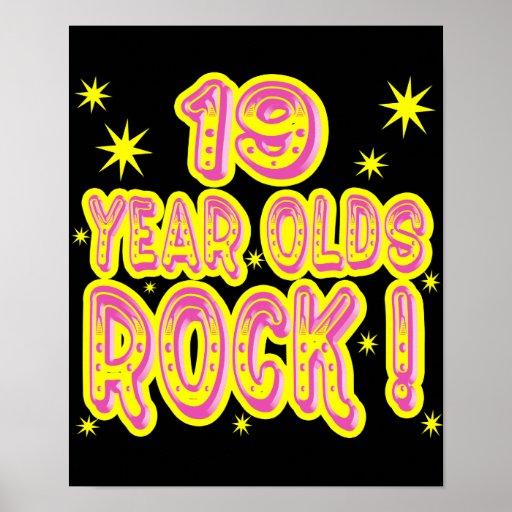 ¡19 años de la roca! Impresión (rosada) del poster