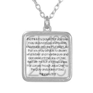 1:9 graduado de los filipenses del verso de la bib colgante cuadrado