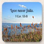 1 amor del 13:8 de los Corinthians nunca falla Posavasos De Bebidas
