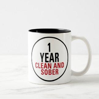 1 año limpio y de sobrio taza de café de dos colores