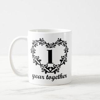 1r Aniversario 1 año junto del corazón de taza del