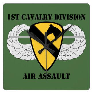 1r Ataque aéreo de la división de la caballería - Reloj Cuadrado