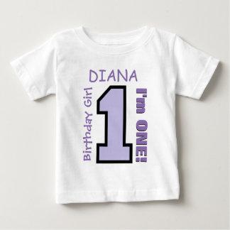 1r Chica del cumpleaños una púrpura conocida de Playera
