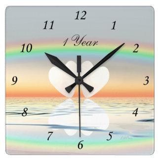 1r Corazones de papel del aniversario Reloj Cuadrado